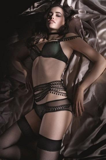 Австралийская модель Сара Стивенс снялась в рекламе марки Myla. Изображение № 6.