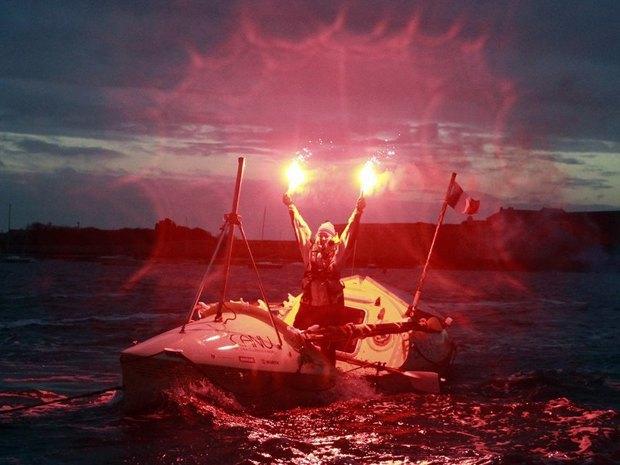 Канадка, боящаяся воды, пересекла Северную Атлантику на весельной лодке. Изображение № 1.
