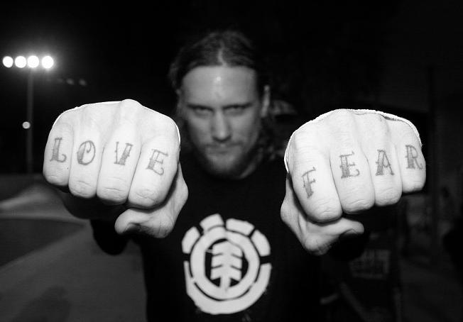 Скейтбордист Майк Вэллели стал новым солистом Black Flag. Изображение № 1.