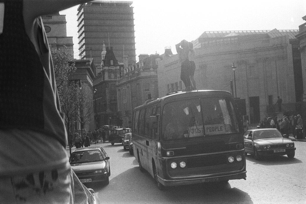 C рейва на митинг: Фотохроника британских free parties и попыток отстоять их перед властями. Изображение № 9.