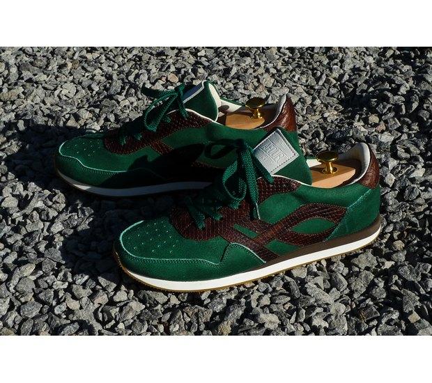 Марка AFOUR и магазин Zefear представили совместную коллекцию кроссовок. Изображение № 11.