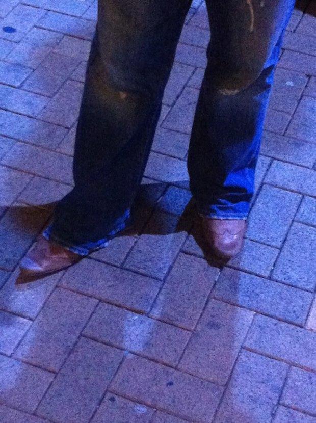 Jeans and Sheuxsss: Еженедельные обзоры худших сочетаний обуви и джинсов. Изображение № 12.