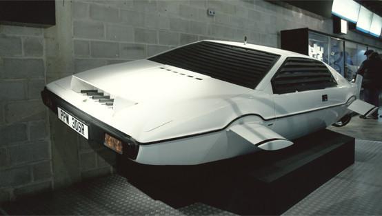 Репортаж с выставки машин Джеймса Бонда. Изображение № 16.