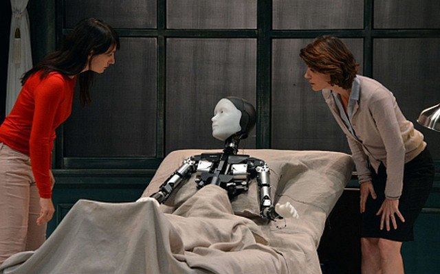 Японский робот исполнит главную роль в постановке «Превращение» Кафки. Изображение № 1.