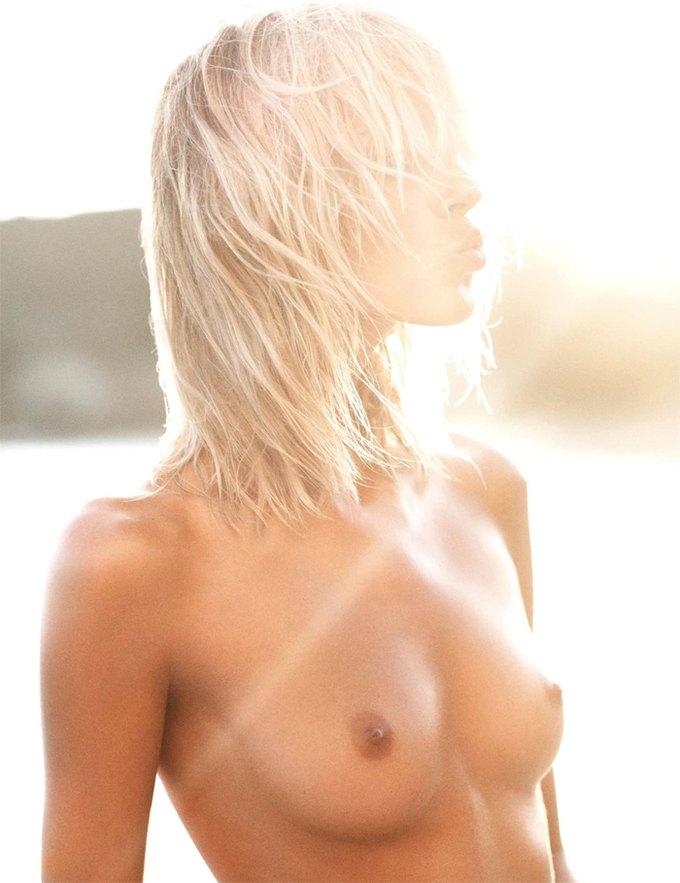 Модели Аня Рубик и Андреа Дьякони снялись обнаженными у фотографа Марио Сорренти. Изображение № 5.