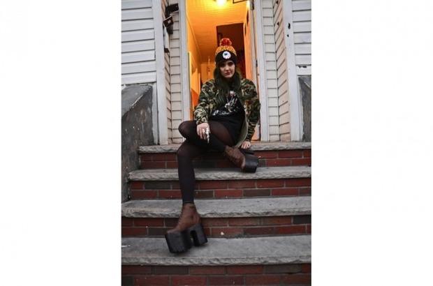 Марка Mishka опубликовала лукбук новой коллекции одежды своей линейки Holiday. Изображение № 15.