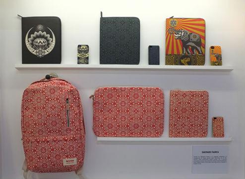 Совместная коллекция сумок марки Incase и художника Шепарда Фейри. Изображение № 2.