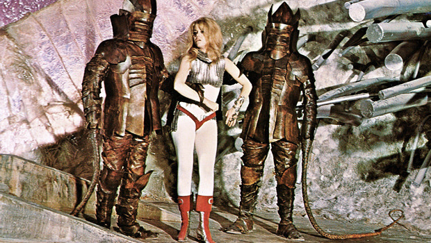 Облик грядущего: Какой представляли одежду будущего режиссеры фантастических фильмов. Изображение № 41.