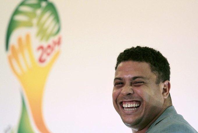 Бразильский футболист Роналдо собирается купить журнал Playboy. Изображение № 1.
