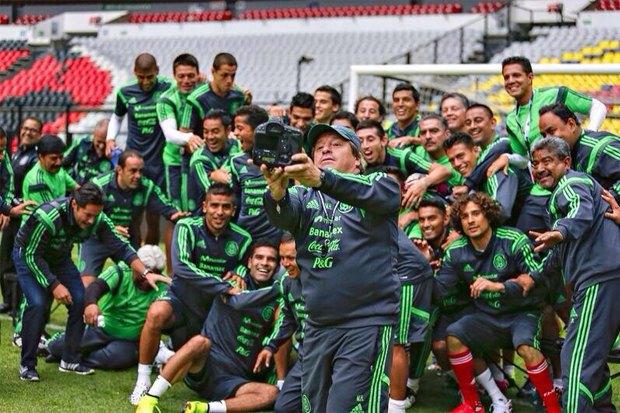 Почему мимика мексиканского тренера Мигеля Эрреры должна стать символом чемпионата мира по футболу. Изображение № 7.