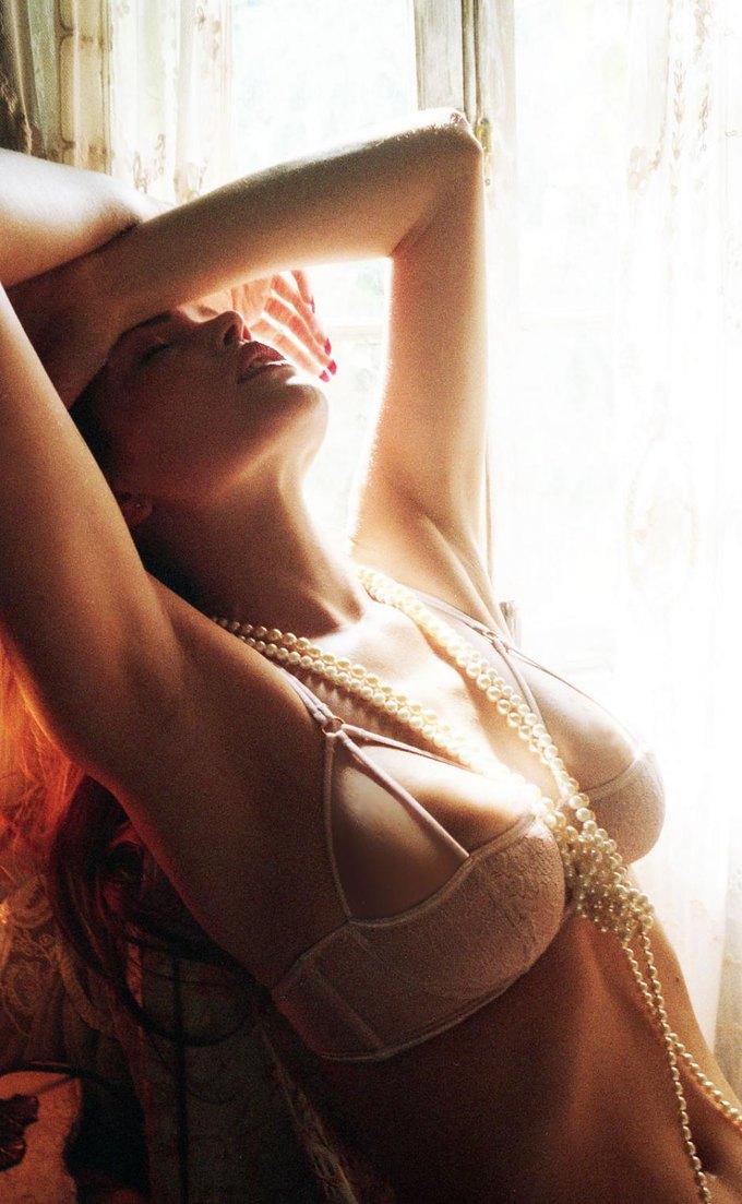 Модель Оливия Гарсон снялась в рекламе нижнего белья Coco De Mer. Изображение № 16.