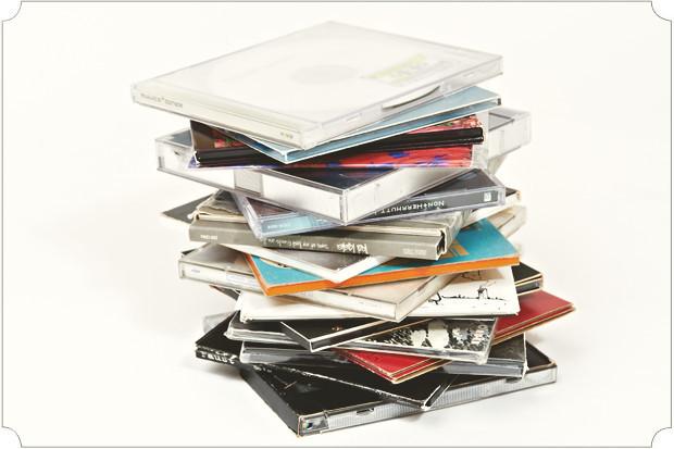 У меня небольшая коллекция компакт-дисков, среди них есть чем похвастаться, но это надо углубляться.. Изображение № 33.