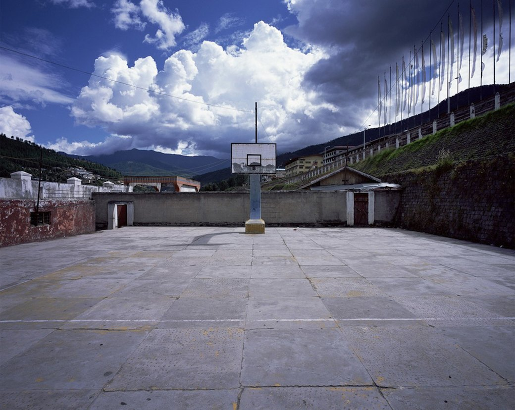 Фотограф Крис Таббс 10 лет снимает баскетбольные кольца по всему миру. Изображение № 1.