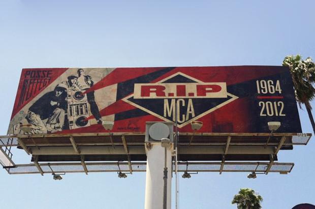 Художник Шепард Фейри сделал билборд в память об участнике Beastie Boys Адаме Яухе. Изображение № 1.