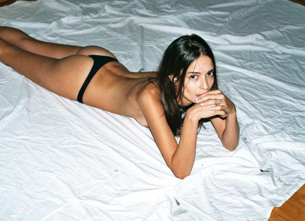 Алессандро Касагранде сфотографировал Мариану Брага для нового номера журнала Polanski. Изображение № 2.