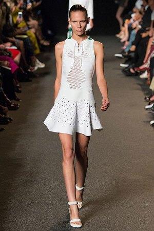 Александр Вэнг представил одежду, вдохновлённую дизайном сникеров. Изображение № 8.