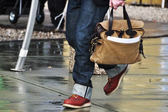 Изображение 16. Шарфы, клатчи, клетчатые пиджаки и подвернутые джинсы.. Изображение № 64.