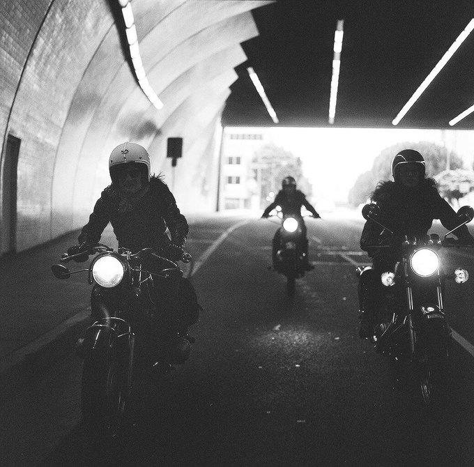 La Motocyclette: Американская фотовыставка доказывает право девушек называться байкерами. Изображение № 13.