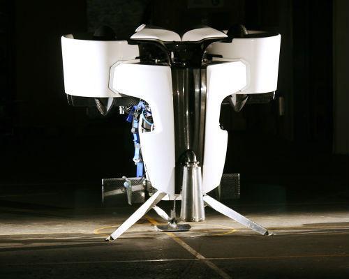 Новозеландский инженер спроектировал летающий рюкзак. Изображение № 1.