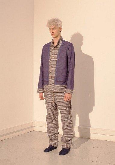 Марка Undercover опубликовала лукбук осенней коллекции одежды. Изображение № 36.