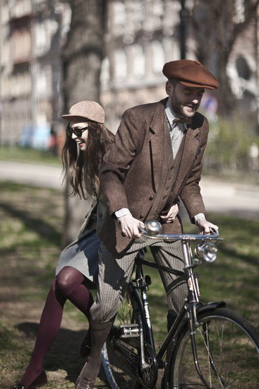 Организаторы велозаезда Tweed Ride Moscow опубликовали тематический лукбук. Изображение № 6.