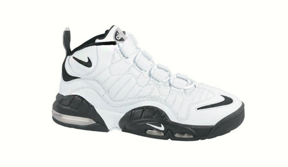 Поставить на ноги: 25 именных баскетбольных кроссовок. Изображение № 47.