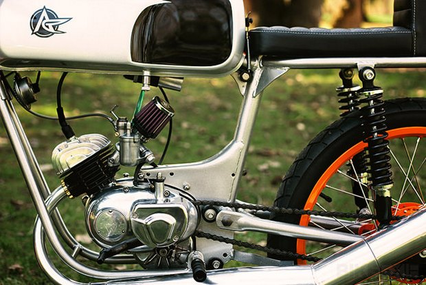 Американская мастерская Analog Motorcycles представила кастомный мотоцикл Riverside Racer. Изображение № 5.