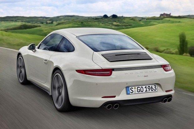 Porsche представили юбилейную версию легендарного спорткара 911. Изображение № 5.