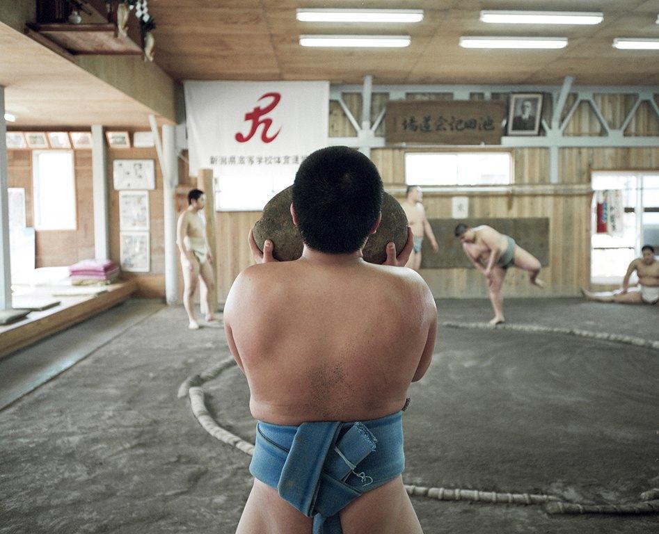 Как тренируются в борцовских школах сумо. Изображение № 16.