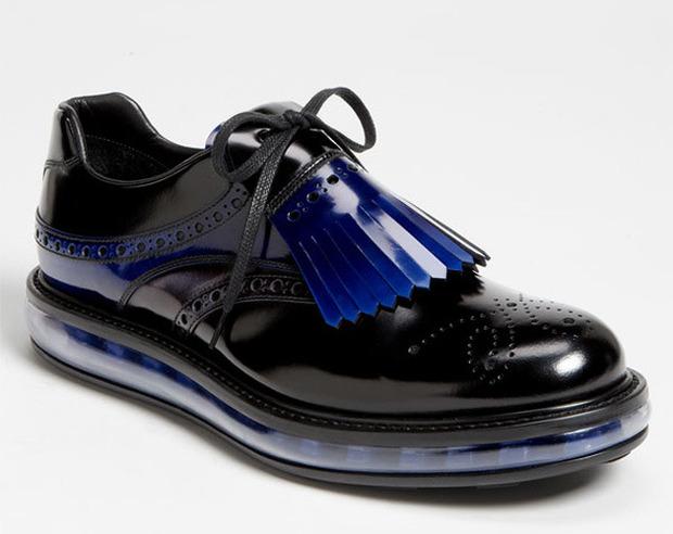 Как классическую обувь поставили на спортивную подошву и стоило ли это делать. Изображение № 9.