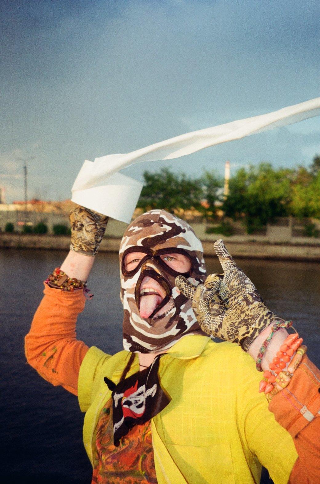Фотоотчёт: «Панк-корабль» на Москве-реке. Изображение № 11.