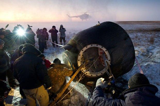 NASA опубликовало фотосессию, вдохновленную фильмом «Гравитация». Изображение № 10.