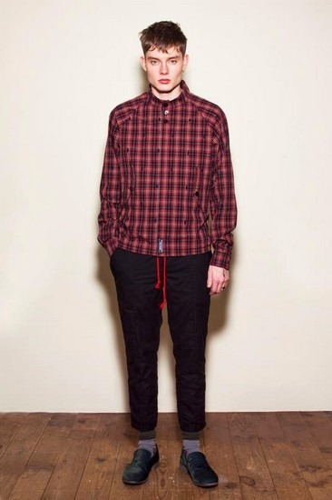 Марка Undercover опубликовала лукбук весенней коллекции одежды. Изображение № 16.
