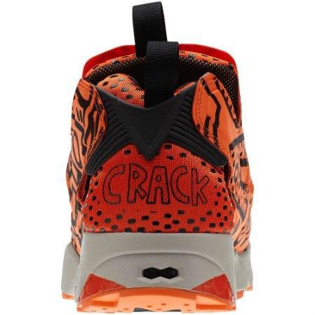 Reebok Classic выпустили новые кроссовки с рисунками Кита Харинга. Изображение № 4.