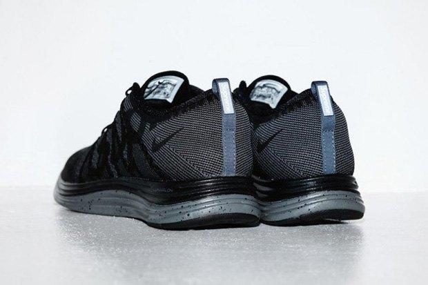 Капсульная коллекция кроссовок Supreme и Nike была продана за 30 секунд. Изображение № 2.