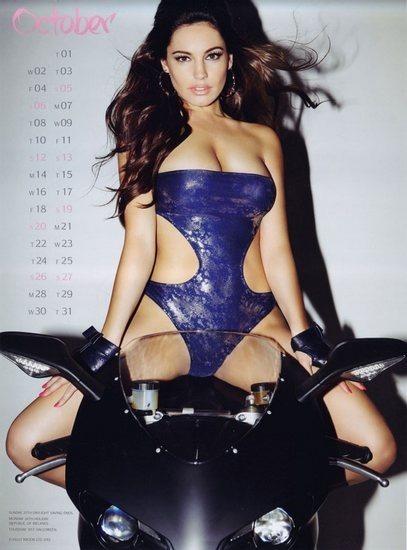 Актриса и модель Келли Брук выпустила собственный эротический календарь. Изображение № 11.