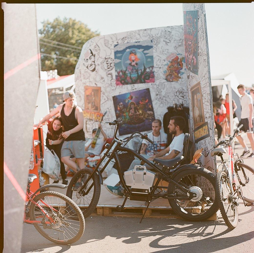 Фоторепортаж с фестиваля Faces & Laces в парке Горького. Изображение № 23.