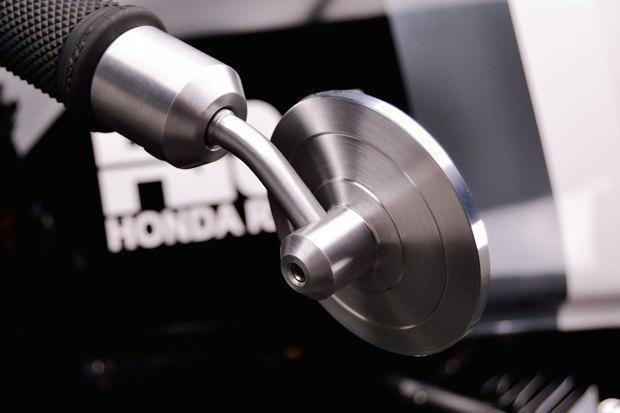 Мастерская Kustom Research представила новый каферейсер на базе Honda CX500. Изображение № 5.