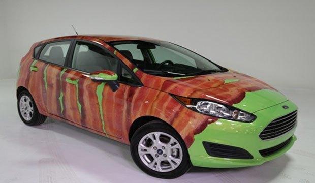 Автомобили компании Ford обернули виниловым беконом. Изображение № 1.