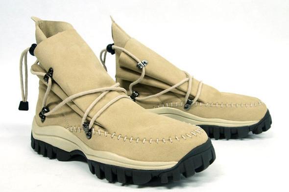 10 самых спорных моделей кроссовок 2011 года. Изображение № 49.