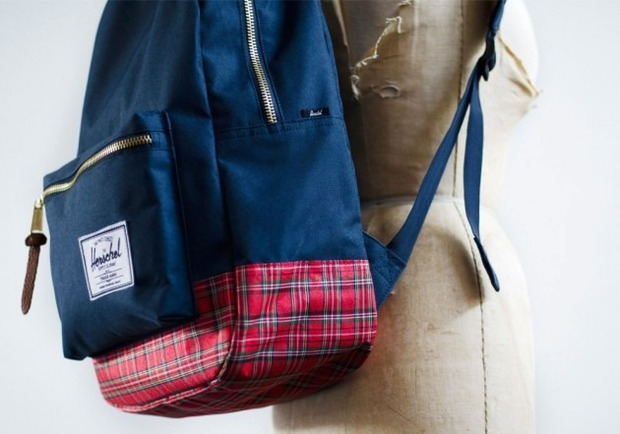Канадская марка Herschel выпустила новую коллекцию рюкзаков линейки Holiday. Изображение №3.