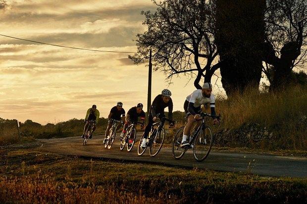 Марка велоодежды Rapha опубликовала лукбук новой коллекции. Изображение № 7.