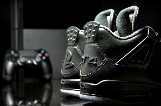 Air Jordan выпустили кроссовки, вдохновлённые PS4, с HDMI. Изображение № 3.