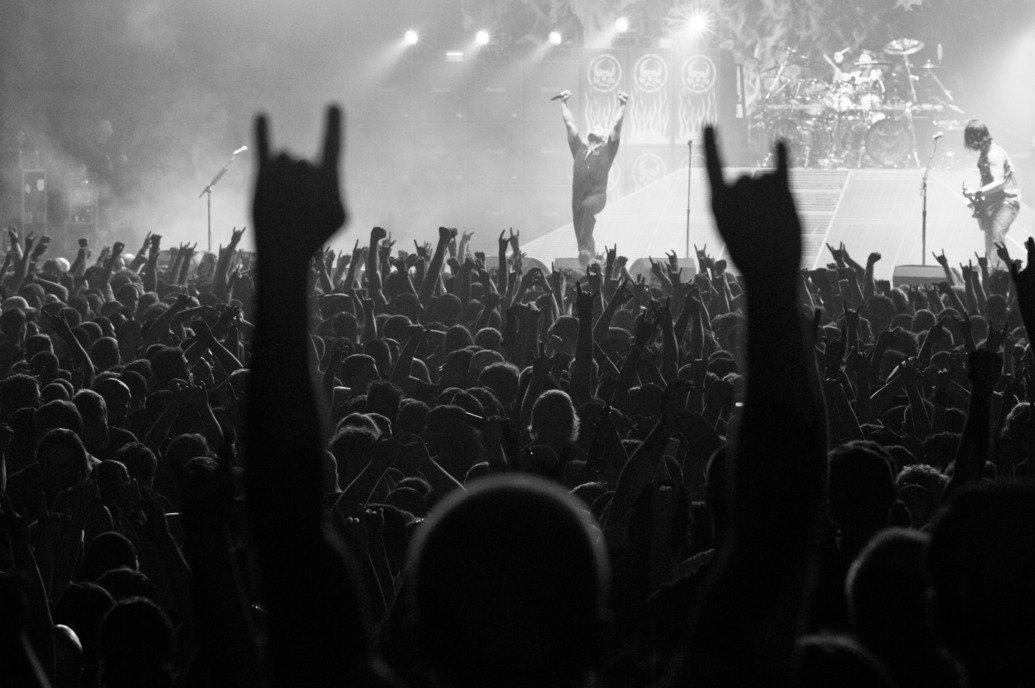 Музыка нас связала: Фотограф Эрин Фейнберг десять лет снимает фанатов на концертах. Изображение № 4.