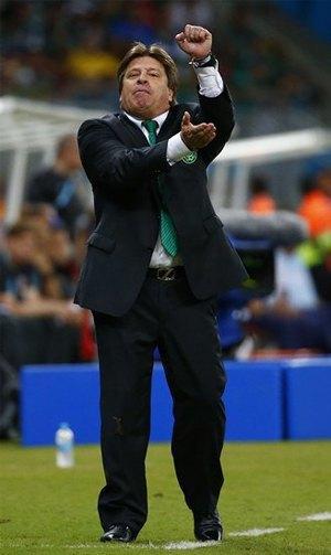 Почему мимика мексиканского тренера Мигеля Эрреры должна стать символом чемпионата мира по футболу. Изображение № 2.