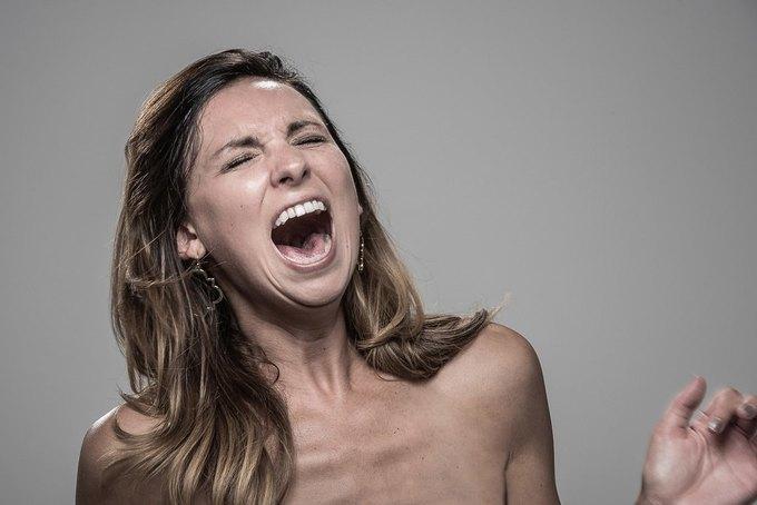 Фотограф снимал лица людей после удара шокером. Изображение № 15.