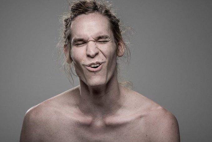 Фотограф снимал лица людей после удара шокером. Изображение № 2.