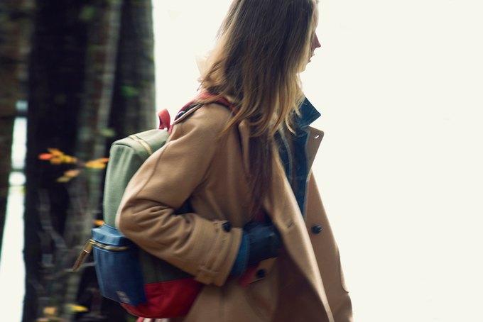 Марка Herschel опубликовала лукбук осенней коллекции рюкзаков и сумок. Изображение № 7.