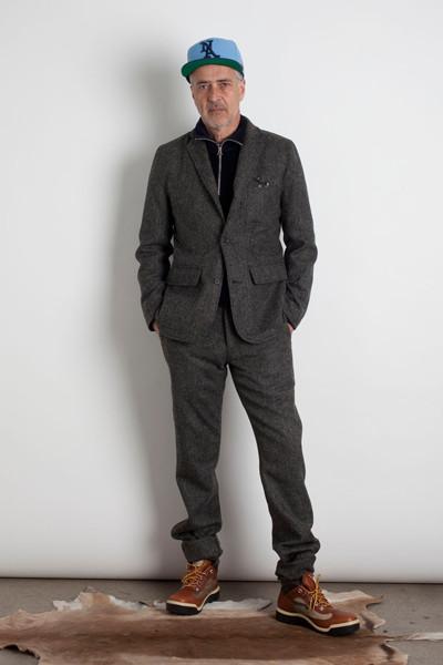 Дизайнер Марк МакНейри выпустил лукбук осенне-зимней коллекции одежды. Изображение № 3.