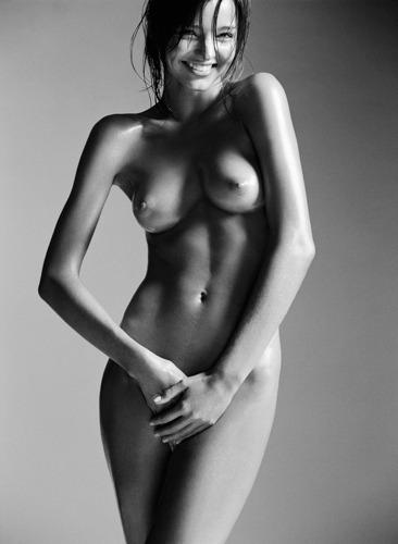 Модель Миранда Керр снялась у фотографа Лорен Дармон. Изображение № 1.